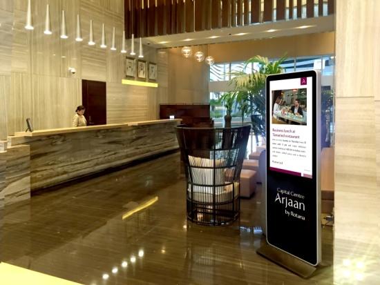 Exhibition Stand Design Uae : Digital signage kiosk for reception hotels events